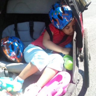 Toddler vs Bicycle Trailer