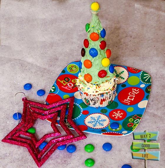 Christmas Tree Cupcake - very easy to make pixel art #shop