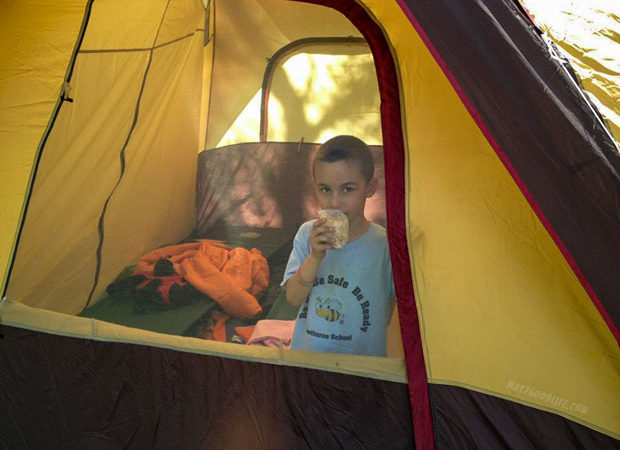 Camping-kid-in-the-tent