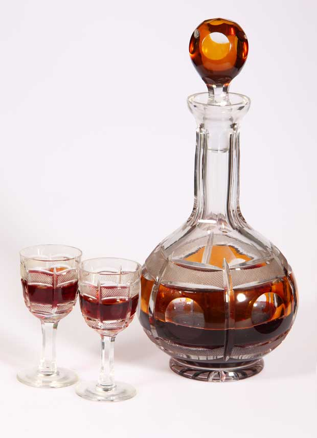 cristal-glasses-and-a-carafe-of-liquor