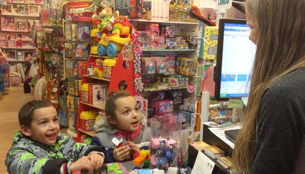 Kids-at-toy-store