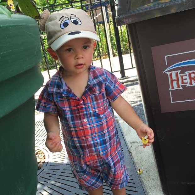 Hershey-Park-baby