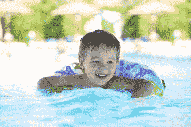 baby-in-pool