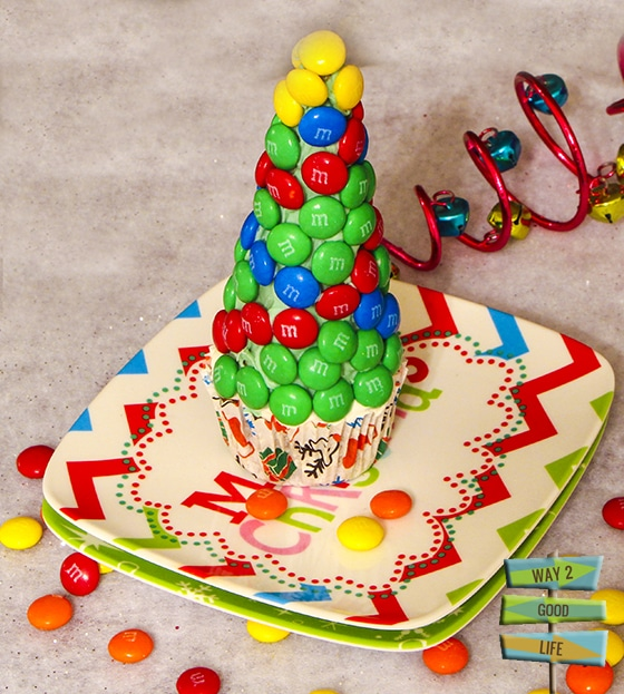 Christmas Tree Cupcake - very easy to make pixel art #shop