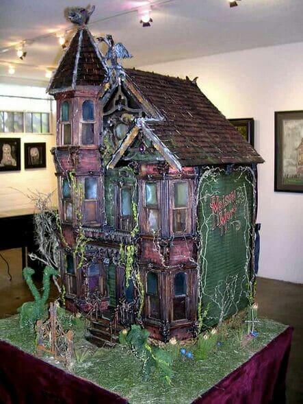 Spooky house - Crazy Doll Houses