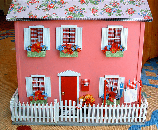 Super cute doll house - Crazy Doll Houses