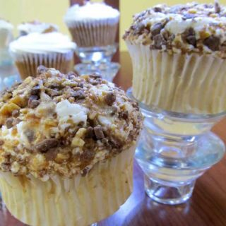 Easy Gluten Free Chocolate Crumble cupcakes