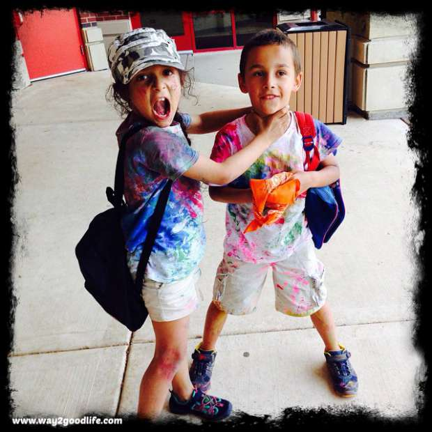 9 easy to make Halloween costumes for kids: Color crazy