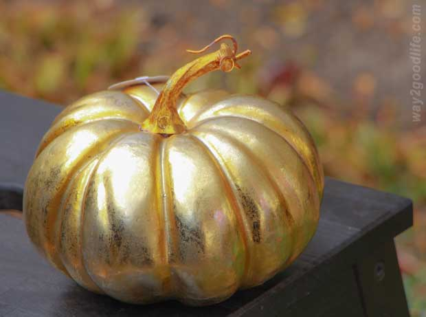 Halloween-Golden-Pumpkin