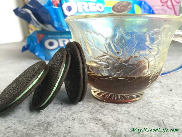 OREO-cookies-and-cup