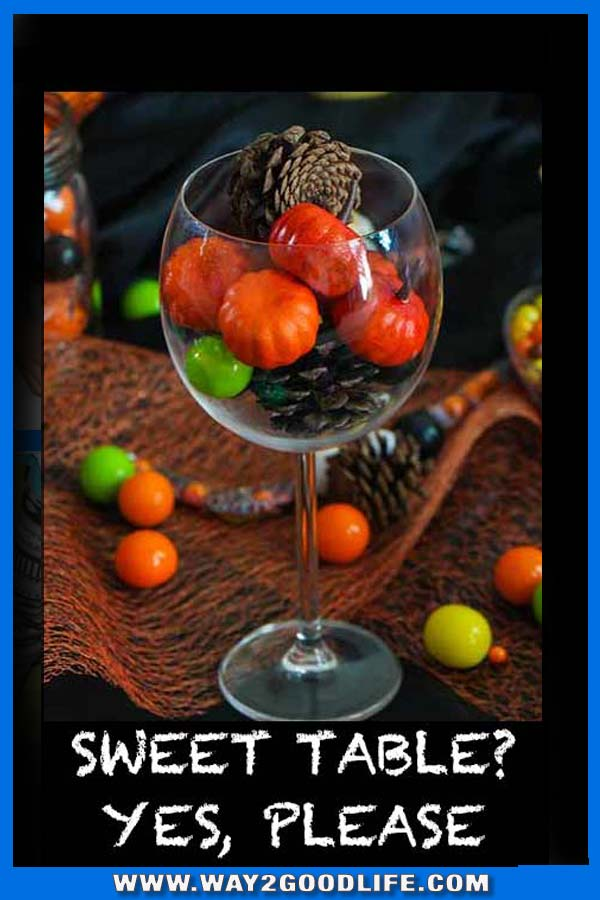 Who doesn't like sweet tables? This one is delicious, perfect for Christmas - Easy Desserts no baking required!