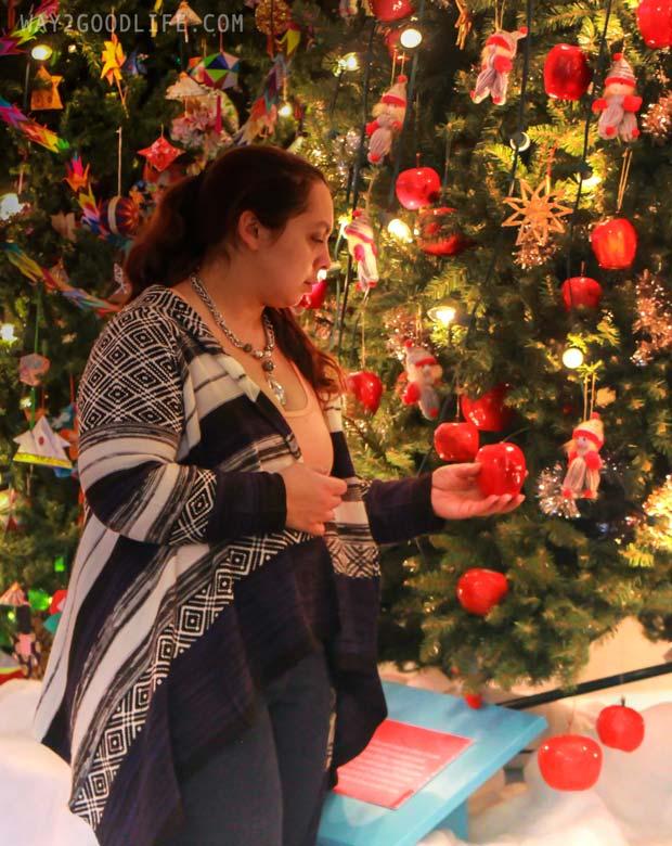 Apple-on-Christmas-Tree