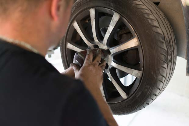 Car-tire-replacement