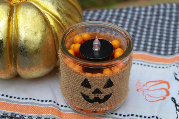 halloween-candy-candle