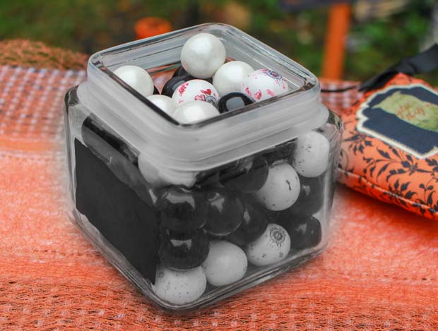 halloween-gum-ball-can