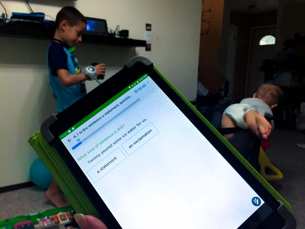 ixl-tablet-and-boys