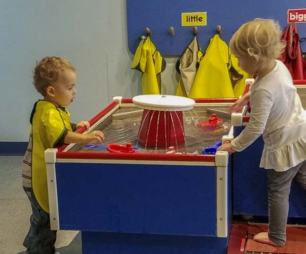small children playing with water table at Rockford Discovery Museum