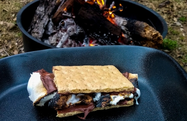 Nutella and Marshmallow in Pan Smore step 3