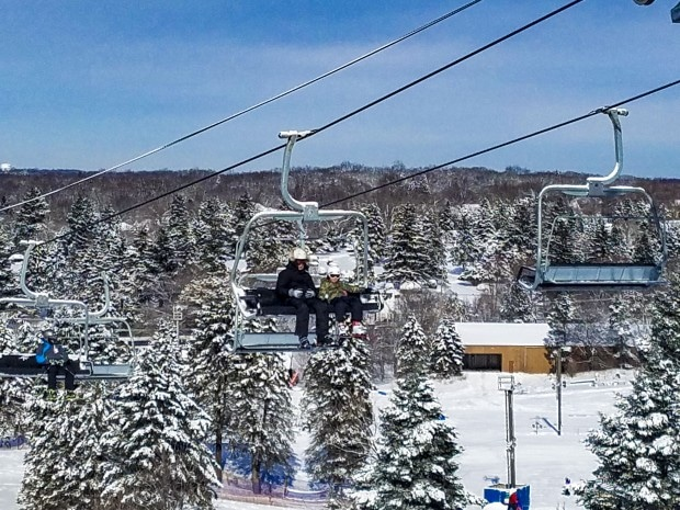 Thinking of a fun snow tubing adventure with kids near Chicago? Check out fun and clever ideas to get the most out of your day snow tubing, skiing or snowboarding