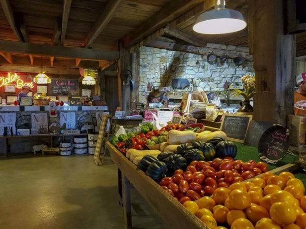 inside of Hendricks Orchard store