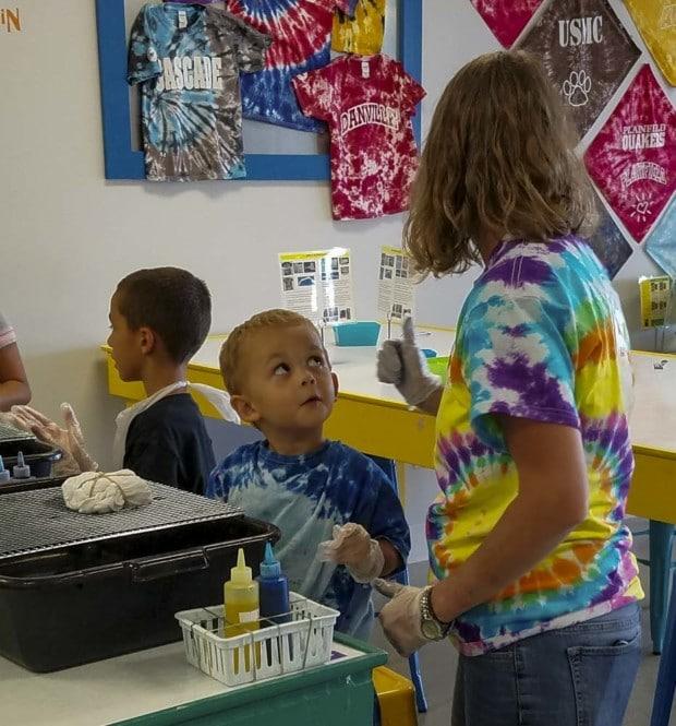 kids get ready to color Hendricks Tie Dye Lab