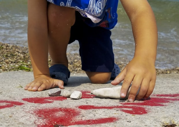 Put-in-Bay KIDS rocks hands