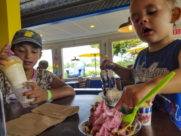 Put-in-Bay ice cream cafe