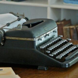 An old type typewriter